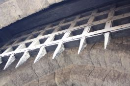 Imaging this portcullis crashing down on your head as you were trying to invade or escape!